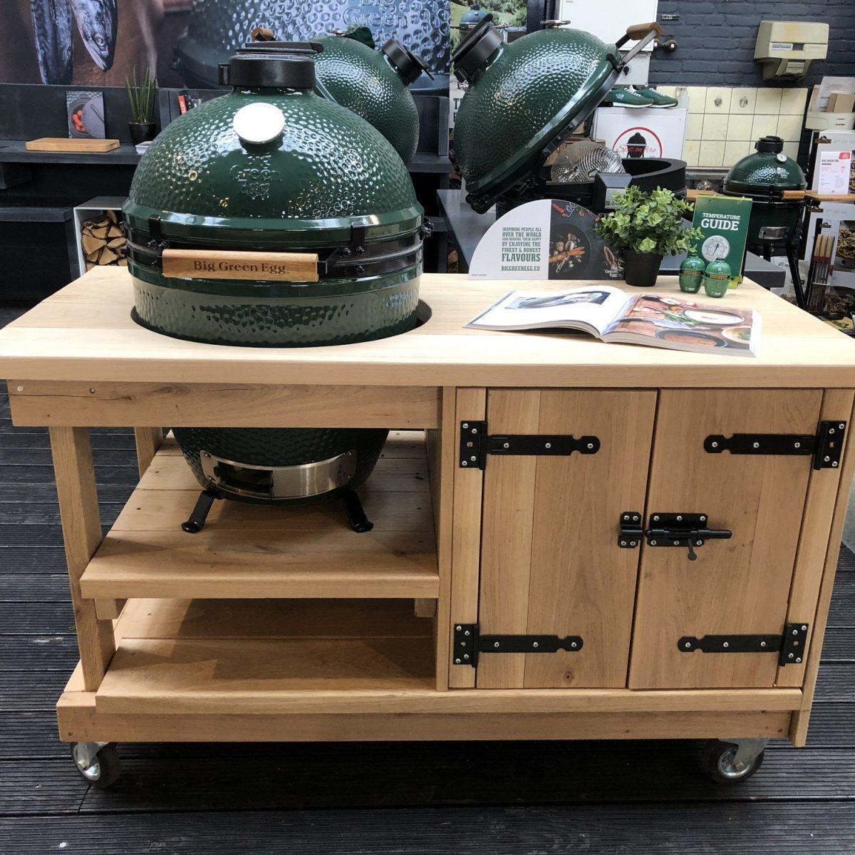 Eiken tafel met kast + Big Green Egg XL